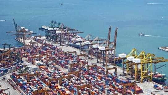 Tăng giá dịch vụ cảng biển, các hãng tàu có tăng phí?
